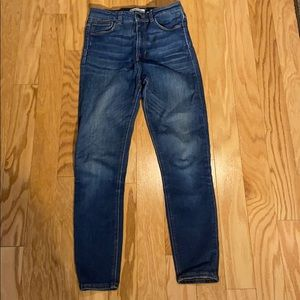 Zara Woman High Waisted Cropped Ankle Jean size 4